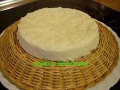 Queso casero fácil    No hay nada como un rico y delicioso queso hecho en casa.    Ahora que tod@s estamos con la dieta después de las ...