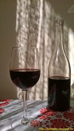 Ezt fald fel!: Vadcseresznye-sajmeggy házi bor – csemegebor Red Wine, Liquor, Drinking, Alcoholic Drinks, Glass, Food, Smoothie, Homes, Sink Tops