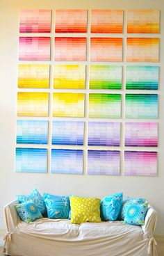 DIY Ombre Wall Art with Paint Chips. A series of canvases with paint chips glued on them and they create beautiful ombre patterns. Paint Chip Wall, Paint Chips, Paint Sample Wall, Diy Wand, Luminaria Diy, Chip Art, Paint Swatches, Paint Swatch Art, Ideas Hogar