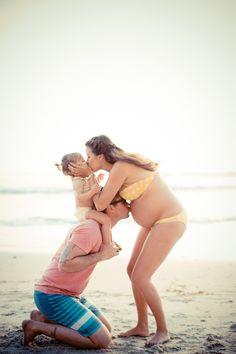 maternity, family, Retro beach day from Acqua Photo | 100 Layer Cakelet