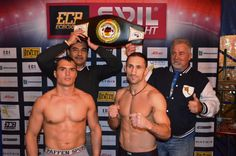 Das offizielle Wiegen der Boxer für den morgigen Kampftag in der Box-Hochburg Hamburg im Europa-Zirkuszelt hat keine Überraschungen ergeben.