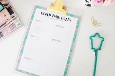 Planner financeiro para download – mensal - Love is Colorful