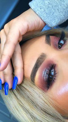 #bluemakeup #glossy #purplemakeup #holographic #kyliecosmetics