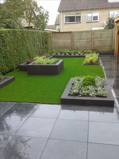 voici-notre-tondeuse-a-gazon-quotidienne-arroseur-de-pelouse-pelouse-saine-rasenre/ delivers online tools that help you to stay in control of your personal information and protect your online privacy. Backyard Vegetable Gardens, Backyard Garden Design, Small Backyard Landscaping, Small Garden Design, Outdoor Gardens, Backyard Ideas, Landscaping Design, Mailbox Landscaping, Diy Garden