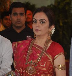 Jewellery Designs: Nita Ambani Mango Mala at Esha Wedding