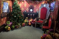 Santa's Grotto in Coventry! Is there an adult anywhere who has not sat on Santa's knee as a child? Well you can pass on the magic this Christmas in Coventry. http://www.coventrytelegraph.net/whats-on/whats-on-news/everything-you-need-know-west-8178923