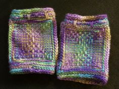 Mountain Angel Crafts fingerless mitts made on the Weave It loom