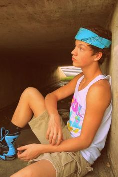 Im a huge fan of taylor caniff from the macgon boys! He is such an inspiration to me. He is a sweet guy and i love his videos he makes on youtube. He encourages me and other girls out there. Love you Taylor! ❤️