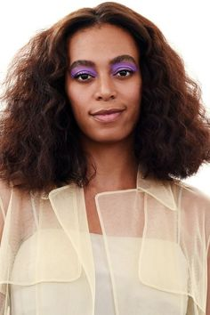 Feast Your Eyes On Technicolor Shadow Forget about brown. The latest trend in beauty is about shadows in all shades. Solange Knowles took primary purple eyes our for a spring during New York Fashion Week in September. Bright Eyeshadow, Blending Eyeshadow, Eyeshadow Looks, Eyeshadow Ideas, Eyeshadow Palette, Makeup Geek, Beauty Makeup, Hair Makeup, Hair Beauty
