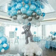 Shower Favors And Prizes Baby shower centerpiece idea - balloons and girant floating bear - so cute!Baby shower centerpiece idea - balloons and girant floating bear - so cute! Deco Baby Shower, Baby Shower Balloons, Shower Party, Baby Shower Parties, Boy Baby Showers, Baby Shower For Boys, Baby Boy Balloons, Cloud Baby Shower Theme, Unisex Baby Shower