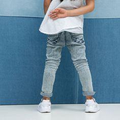 Stoere skinny girl denim Yani van Tumble 'n Dry in hippe wassing. You rock! Skinny Girls, Van, Skinny Jeans, Rock, Denim, Fashion, Skinny Fit Jeans, Moda, Stone