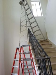This Ladder Setup is listed (or ranked) 15 on the list 43 MORE Things That Seem Horribly Unsafe Safety Fail, Construction Fails, Safety Policy, Darwin Awards, House Cladding, Feeling Stupid, Yard Haunt, Image Fun, Safety First