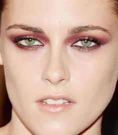kristen stewart red metallic eyes nude lips