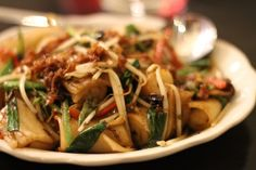 Delicious noodles at FAT RICE, Chicago Greens Restaurant, Organic Recipes, Ethnic Recipes, Chicago Restaurants, Bakeries, Japchae, Noodles, Rice, Fat
