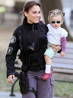 Amy Jo Johnson - Forgetting about MMPR (terrible), I loved AJJ from her days on Felicity. I remember reading this sad article about how during the filming, she would rush back to travel home to visit her mother who ended up passing away soon thereafter. She is such a cute mommy now!