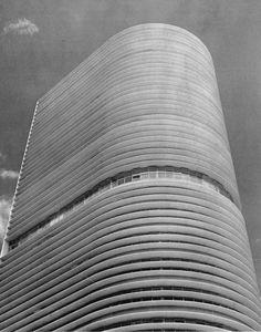 Montreal building, São Paulo Oscar Niemeyer, 1950