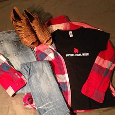 Today's thriftscoring outfit. One of my favorite tees found at a local Goodwill. My nod to Nirvana and the 90s. #tshirt #thriftscoring #thriftstore #cooltee #plaid #goodwill #ocgoodwill #recycleitforward #nirvana #outfit