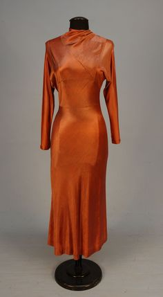 Front View SCHIAPARELLI ROSE SATIN KNIT TWILL DINNER DRESS, c. 1930 Pullover…