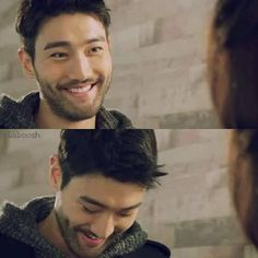 I have already fallen for you siwon, don't smile like that I can't take this ugh Super Junior, Choi Siwon, Leeteuk, Heechul, Actors Male, Korean Actors, Ukiss Kpop, She Was Pretty Kdrama, Seoul