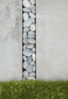 Contemporary Patio - Pewter colored concrete slabs paired with tumbled stones Small Yard Landscaping, Modern Landscaping, Backyard Fences, Driveway Landscaping, Walkway, Landscaping Ideas, Large Pavers, Cement Pavers, Concrete Slab