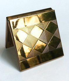 Art Deco Compact Volupte Gold