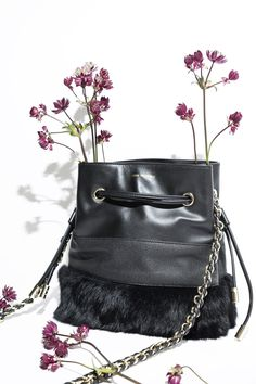 e1e714aa52 The BRIAN bag is a trendy and timeless ANNE FONTAINE bucket bag with an  original shape