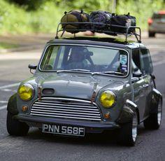 A Gentelman's Muse — mini Mini Cooper S, Retro Cars, Vintage Cars, Mini Cooper Clasico, Classic Mini, Classic Cars, Jeep Carros, Jaguar, Mini Morris