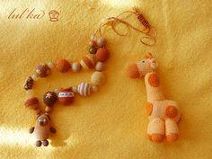 жираф Baby Rattle, Crochet Baby, Giraffe, Crochet Necklace, Giraffes, Crochet Collar, Crochet For Baby, Crochet Baby Dresses