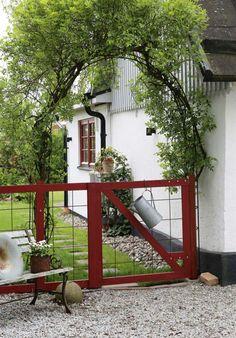 Kolme kotia - Three Homes Päivän koteina kaksi pientä omakotitaloa Ruotsista ja kaunis kesämökki Norjasta. Talo Ruotsissa - A House in...