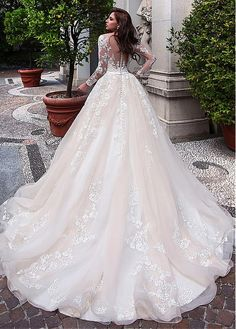 Buy discount Elegant Tulle & Organza Scoop Neckline Ball Gown Wedding Dress With Lace Appliques & Belt at Ailsabridal.com