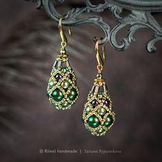 Коллекция «Fabergé». Серьги из жемчуга Swarovski и японского бисера
