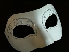 DIY Masquerade mask