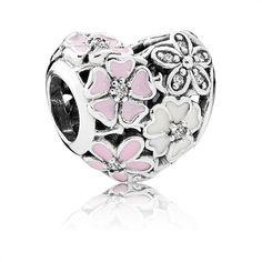 Pandora Herz Charm mit Blumen 925er silber http://www.thejewellershop.com/ #silber #herz #charm #pandora #jewelry #schmuck #blumen #flowers #heart