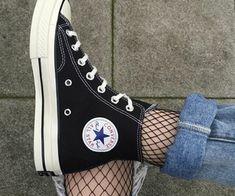 Imagen de converse, black, and shoes - Schuhe! Converse Outfits, Converse All Star, Converse Haute, Mode Converse, Sneakers Mode, Sneakers Fashion, Fashion Shoes, Black Converse, Converse Tumblr