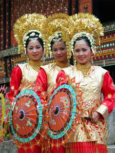 Payung Waisak dance, traditional dance from Sumatra, Indonesia.