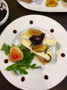 Mini canapes with Camembert cheese, figs and onion chutney
