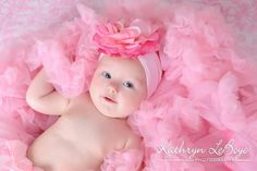 6 month baby picture ideas! totally for my niece!! PERFECT! just my sisters style!