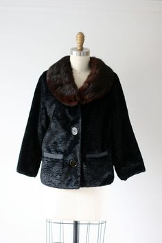 vintage fur collar coat / vintage 1960s coat by Dronning on Etsy
