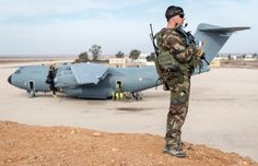 French Armée de l'Air Airbus A400M Atlas strategic transport. From 23-26 February 2015, half of security detachment on posting in Jordan under the Shamal operation was rotated. Deployed at beginning of mission, the detachment of paratroopers 20 Commandos Air (CPA 20) had it's first deployment. And sixteen personal CPA 20 constituting security detachment (DETPRO) leave Jordanian soil this week & will be replaced by 16 soldiers Paratroopers Commandos Air (CPA 30).