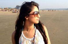 Krystle Dsouza Without Makeup Krystle D Souza Walks For Pictures Krystal Dsouza, Mirrored Sunglasses, Sunglasses Women, Stylish Dpz, India People, Without Makeup, Deepika Padukone, Walking, Celebs