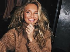 Browse Photo of Romee Strijd at Paris, France. Browse more Photos and videos by Romee Strijd Make Up Looks, Pretty People, Beautiful People, Models, Hair Goals, Hair Inspiration, Beauty Hacks, Hair Makeup, Actresses