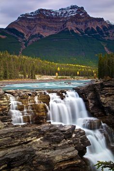 Athabasca Falls, Banff National Park, Canada OK I need to go to this natnl park Landscape Photography, Nature Photography, Travel Photography, Night Photography, Landscape Photos, Beautiful Waterfalls, Beautiful Landscapes, Parc National De Banff, Places Around The World