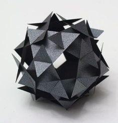 Discover more about Origami Art Geometric Sculpture, Art Sculpture, Abstract Sculpture, Geometric Art, Origami Geometric Shapes, Origami And Kirigami, Origami Paper Art, Origami Boxes, Paper Structure