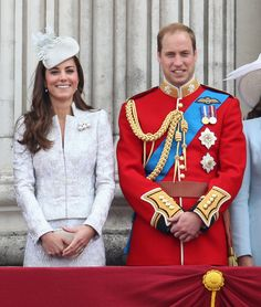 Kate Middleton & Prince William Baby Names: People Take Bets on Royal Baby's Possible Name! Catherine, Duchess of Cambridge (aka Kate Middleton) and Prince William are preparing to welcome the Royal Baby next month, and betting houses are rampant with… Kate Middleton Pictures, Kate Middleton Style, Kate Middleton Prince William, Prince William And Catherine, William Kate, Lady Diana, Queen Elizabeth Ii Birthday, Duchesse Kate, Princesse Kate Middleton
