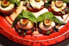 Eyeball Caprese Salad #Halloween #food #recipe