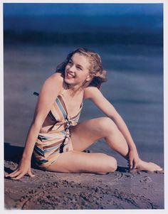 Norma Jeane before she was Marilyn Monroe. A George Vreeland Hill pin. Joven Marilyn Monroe, Estilo Marilyn Monroe, Marilyn Monroe Fotos, Young Marilyn Monroe, Norma Jean Marilyn Monroe, Classic Hollywood, Old Hollywood, Hollywood Actresses, Stars D'hollywood