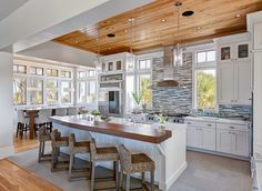 florida beach house kitchen