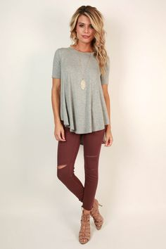 Love the shirt, necklace and burgundy denim (no rips so I could wear it to work). I would even wear the shoes. Look Fashion, Fashion Outfits, Womens Fashion, Fashion Clothes, Fashion Trends, Fall Winter Outfits, Autumn Winter Fashion, Looks Style, Style Me