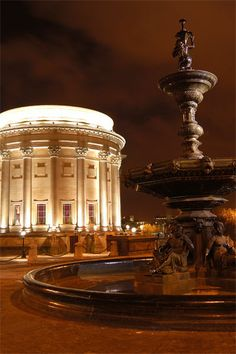 Liverpool - Stebble Fountain & St Georges Hall