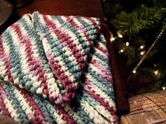 This Crafting Life: Thick and Easy 1 hour potholder, Version 1 {crochet pattern}